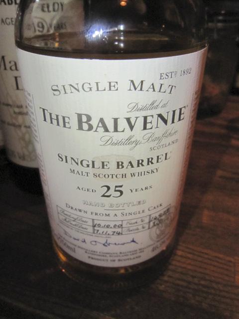 バルヴェニー Balvenie 25y 1974-2000 'Single Barrel' (46.9%, OB, C#14972) ボトルナンバー126 75CL  ハンドボトルド