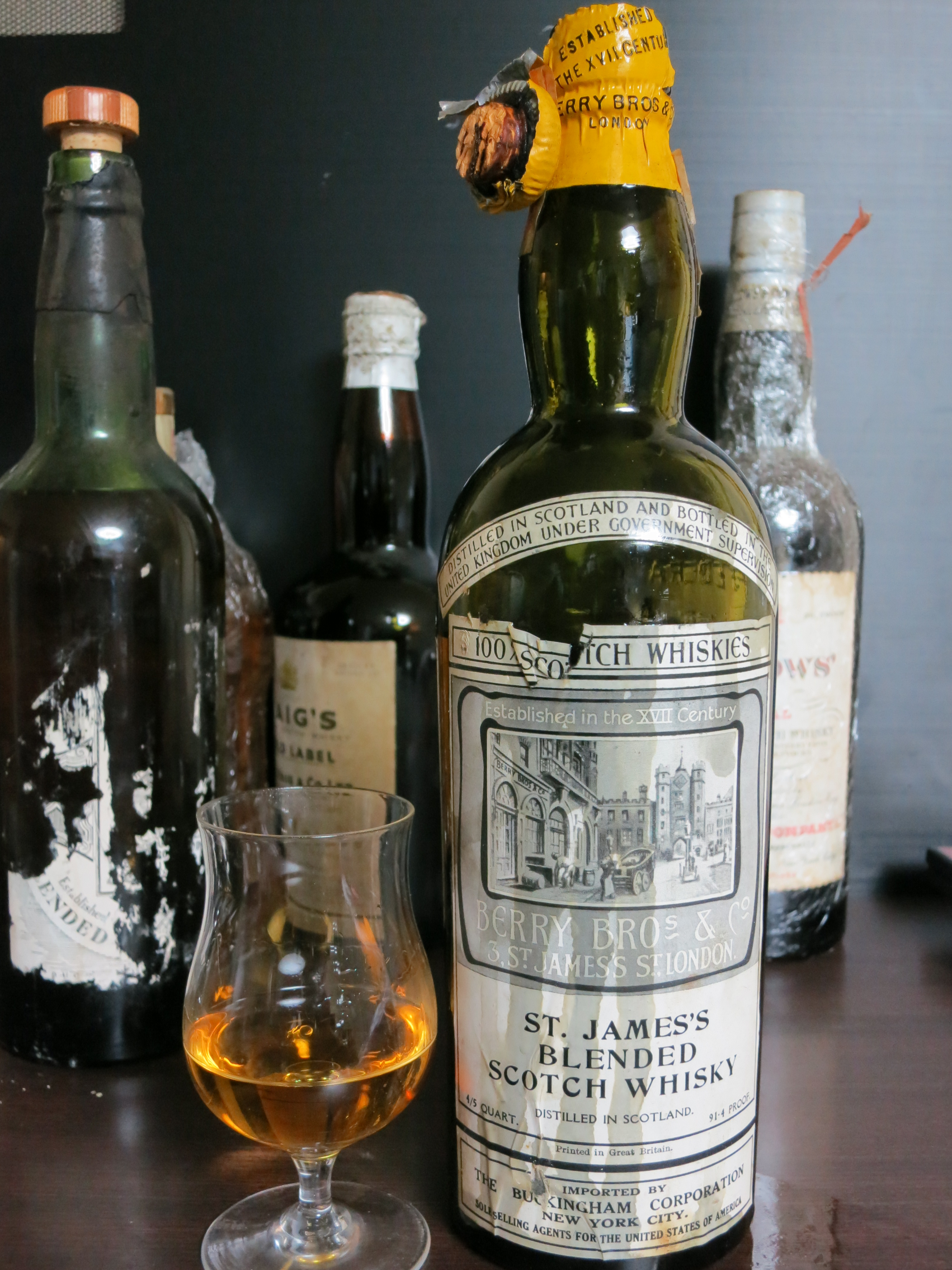 BB&R St. James's Blended Scotch (4/5 quart, 91.4 proof, for USA, The Buckingham Corporation, N.Y.) 1930's