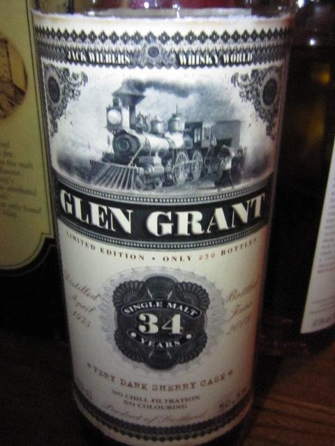 """グレングラント Glen Grant 34yo 1975/2009 (50.5%, JWWW,  """"Old Train"""" ,045/230 Bts. VERY DARK SHERRY CASK) 70CL"""